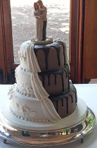Half chocolate Half formal Wedding Cake (8777)