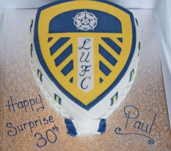 Cake Decorating Company Leeds : Leeds Utd Badge Sugar N Spice Cakes