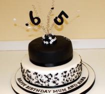 Black and White Two Tier (226)